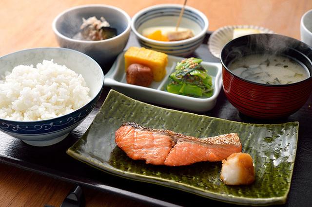 img_breakfast_yakichi.jpg