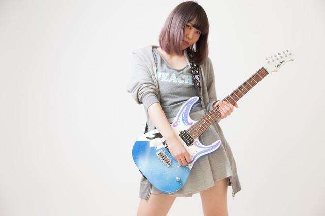 ギター 女.jpg