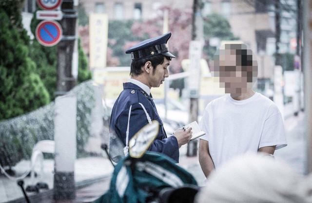 職務質問 職質 警察 警察官.jpg