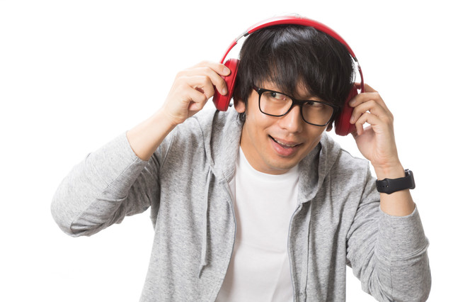 音楽 聴く 男.jpg